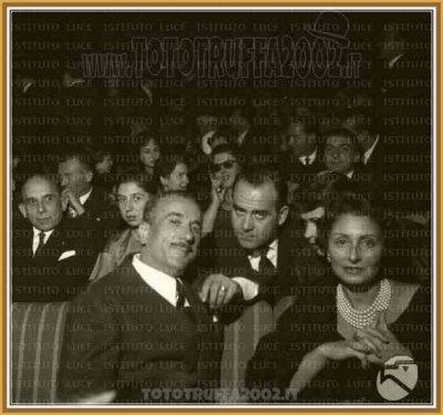 Caprioli Vittorio Biografie